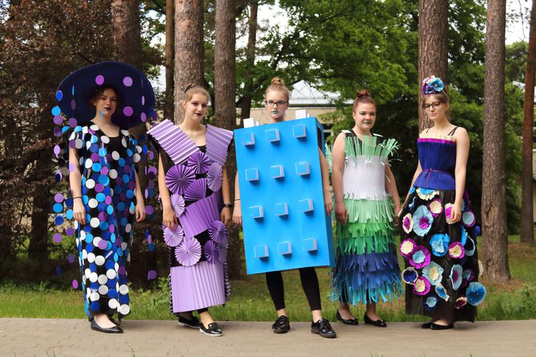 Foto: skolēni. Nepieradinātās modes skate