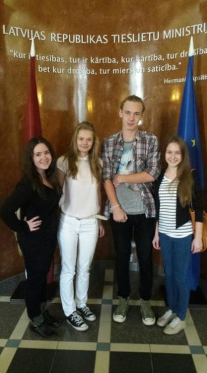 Foto: skolēni . Atvērto durvju diena