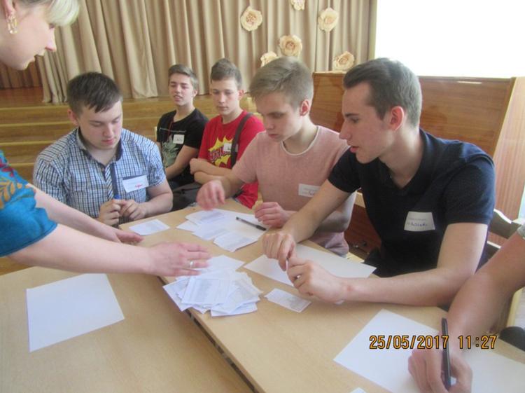 Foto: pašvaldību vēlēšanu simulācija