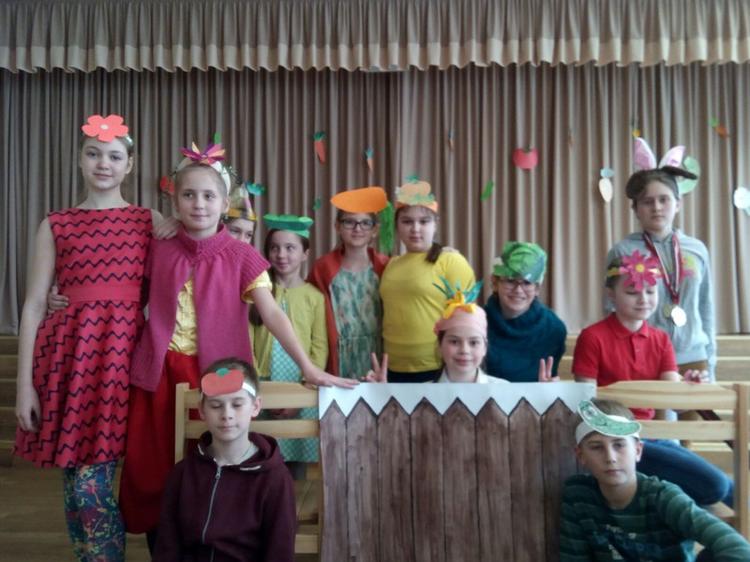 "Foto: skolēni. ""Pasaku diena"""