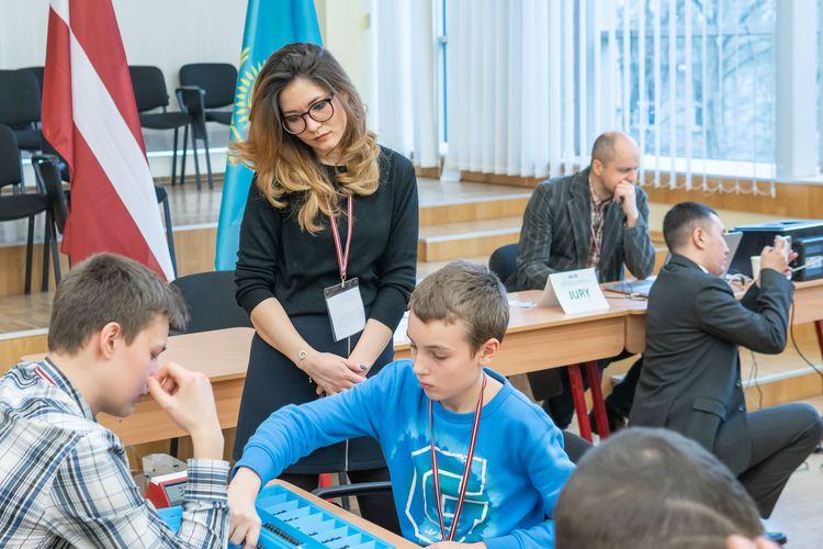 """Foto: skolēni. """"Togiz Kumalak"""" Latvijā"""