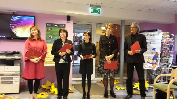 Foto: literārā konkursa laureātu apbalvošanas ceremonija