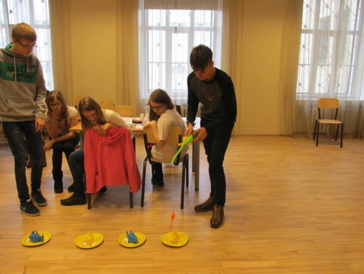 Foto: skolēni . Projekts «Eiropas pēdas Latvijā»