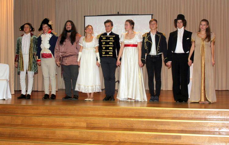 """Foto: skolēni. Projekts """"Ielūgums uz Natašas Rostovas balli"""""""