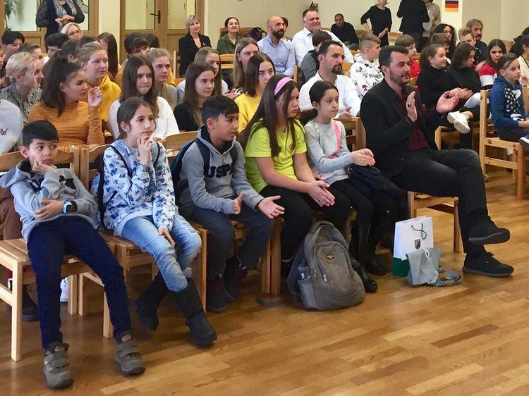 """Foto: skolēni. Erasmus+ projekts """"Grāmatu ietekme"""""""