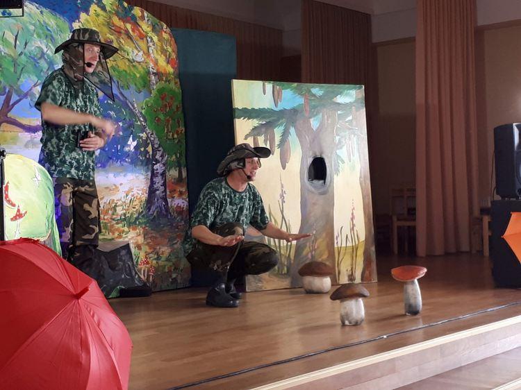 """Leļļu teātra izrāde """"Latvijas skolas somas"""" iniciatīvas ietvaros"""