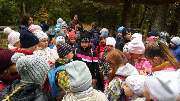 Foto: skolēni. Gaujas nacionālais parks Siguldā