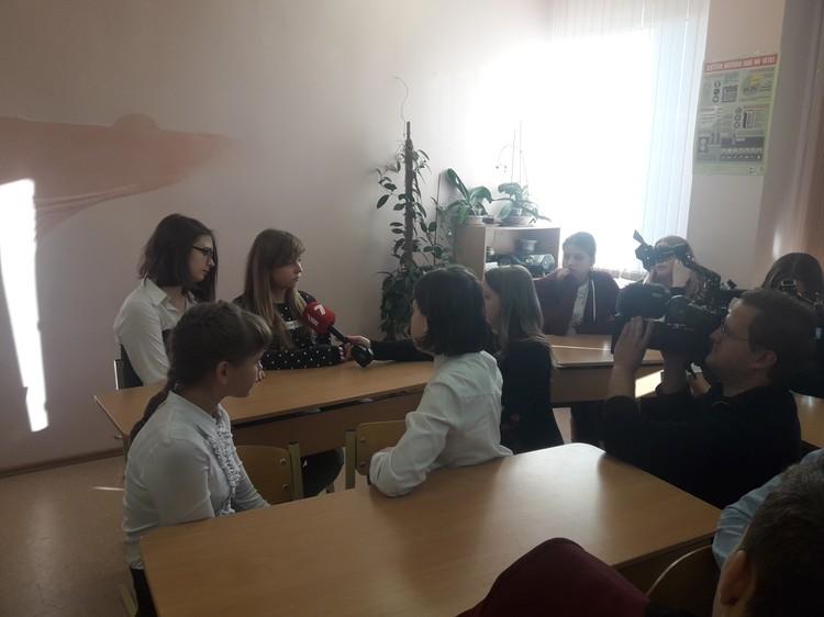 """Foto: akcija """"Iedvesmosim viens otru un Latviju ar labiem darbiem!"""""""